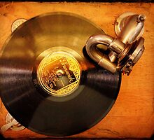 Old record player by Luigi Masella