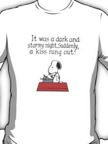 Snoopy - A kiss rang out T-Shirt