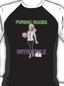 Girls pwn too! T-Shirt