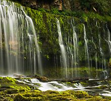 Waterfall in wales by barrylee