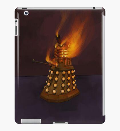 Dr Who Classic Dalek in Flames iPad Case/Skin