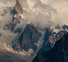 Cloudy Mountains by ScenicRevival