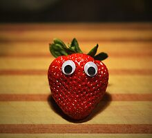 Googly-Eyed Strawberry by JustAnEffigy