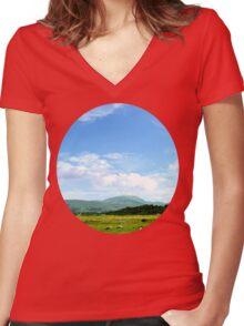 Highlands Scotland Women's Fitted V-Neck T-Shirt