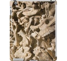 Bones with Teeth in Center in Red iPad Case/Skin