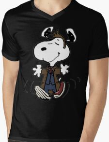 Snoopy as the 10th Doctor Mens V-Neck T-Shirt