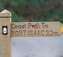 Coastal path sign to Port Isaac in Cornwall by Keith Larby