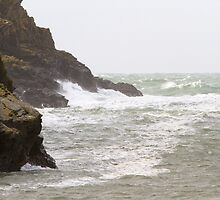 Rough seas in Port Quin Cornwall by Keith Larby