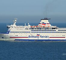Brittany Ferries Bretagne by Jonathan Cox