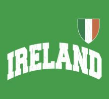 Classic IRELAND Football Jersey (Vintage Distressed) Kids Tee