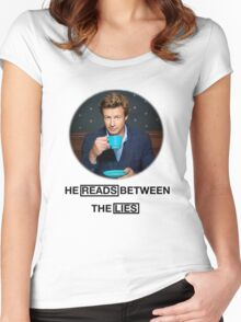 The Mentalist - He reads between the lies Women's Fitted Scoop T-Shirt