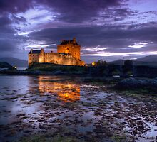Eilean Donan Castle at night by Guy  Berresford