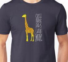 Art Giraffe- Ceci n'est pas une girafe Unisex T-Shirt
