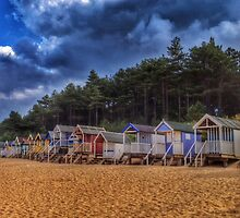Beach Huts by jeremyab