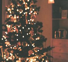Christmas Tree by mitchlx