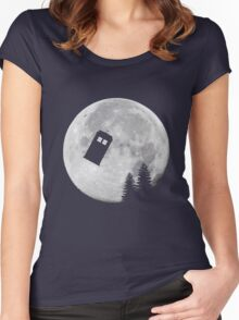 Tardis by the Moon Women's Fitted Scoop T-Shirt