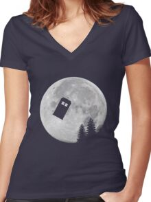 Tardis by the Moon Women's Fitted V-Neck T-Shirt