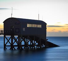 Selsey Sunrise over Lifeboat by barrylee