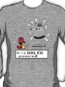 Doctormon - A wild DALEK appeared! T-Shirt