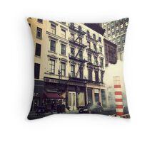 New York City - Manhattan Throw Pillow