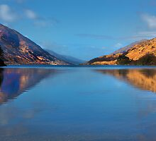 Loch side view by Dave Hare
