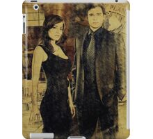 Clark and Lois (Tom Welling and Erica Durance) iPad Case/Skin