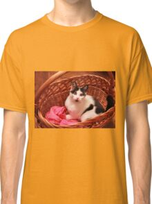 Lovely cat preparing for winter Classic T-Shirt