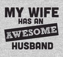 Funny Awesome Wife - tees by Dei Hendrick