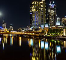 Melbourne by Night by MikeAndrew