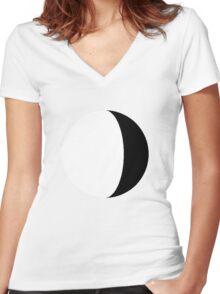 Moony Women's Fitted V-Neck T-Shirt