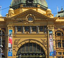 Flinders Station by Lisa Klement
