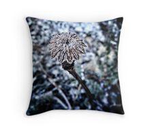 Papaver star Throw Pillow