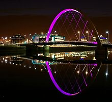 Clyde Arc Bridge at night (in purple) by Escocia Photography