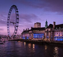 London Eye at Twilight by ffotoCymru