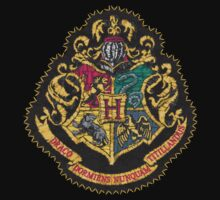 Hogwarts badge  by Nellow
