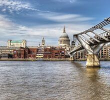 Saint Pauls Cathedral by David Tinsley