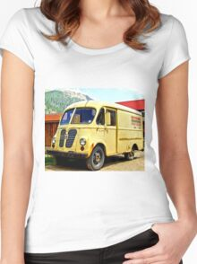 Old Yellow Vintage Delivery Van Women's Fitted Scoop T-Shirt