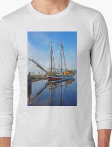 Tall Ship Larinda at Shelburne, Nova Scotia, Canada Long Sleeve T-Shirt