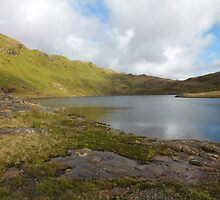 Mountain lakes by Johindes