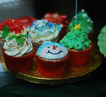 Christmas Cupcakes by TwistedtheClown