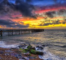 Totland Pier Sunset by manateevoyager