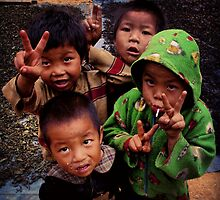 Burmese Kids by RoamingRoan