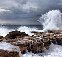 Crashing Waves by James Toh