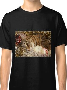 Lying cat Classic T-Shirt