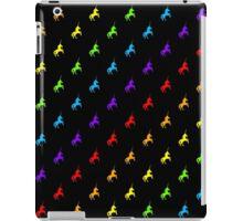 Rainbow unicorn pattern on black background iPad Case/Skin