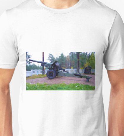 Gun at Lapland War memorial Unisex T-Shirt