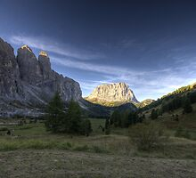 Valley in mountains at dawn landscape naturalistic wall art - Vicini al Paradiso by visionitaliane