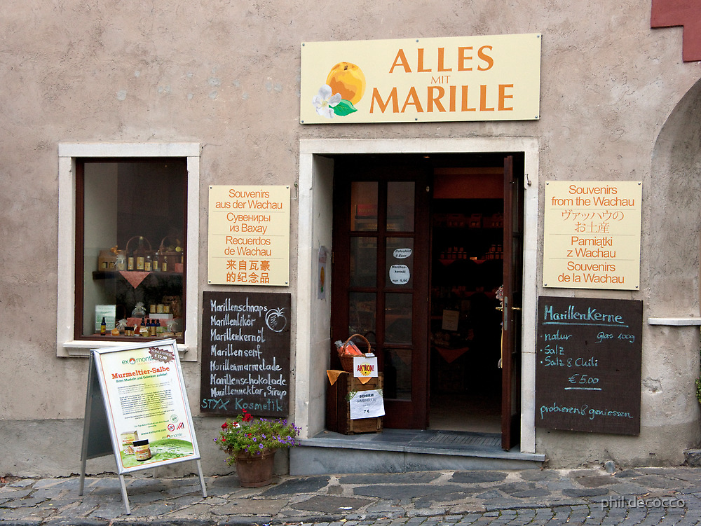 Alles Mit Marille by phil decocco