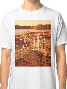 Explore Seaside Rocks Sunset Vintage Bay Adventure Classic T-Shirt