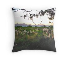 Flor-323 Throw Pillow